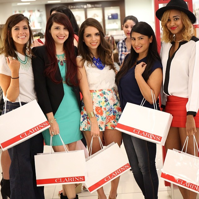 "Clarins ""Opalescence Beauty"" event with blogger friends Tatiana Torres, Daniela Ramirez, Rosy Cordero and Ria Michelle."